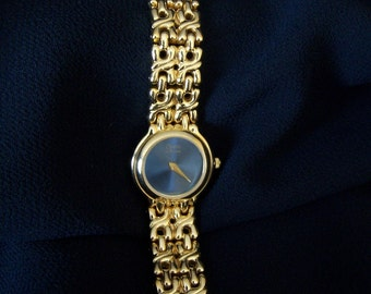Rare Bulova Caravelle Ladies Dress Watch Elegant Golden Bracelet Style Band 80s First Class Japan Movement Quartz FavoriteCollectibles
