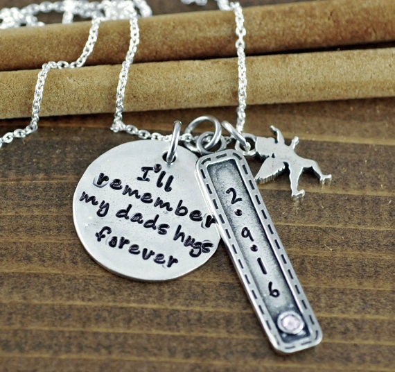 I'll remember my dad's hugs forever, Remembrance Necklace, Bereavement Jewelry, In Memory Of Dad, Memorial Necklace