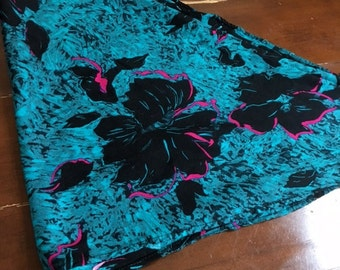 Vintage 80s TURQUOISE And Magenta FLORAL Headscarf / Triangle Scarf / Blue and Black Tropical Head Wrap
