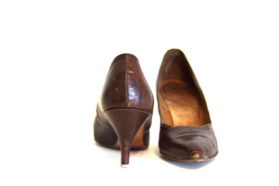 Vintage 50s pumps, Snake Skin heels, by Rhythm Step, Brown leather, Croc skin, 1950s Stilettos, Pointy Toe shoes, 60s MAD MEN, SZ 6.5 7 N