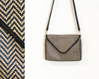 Vintage 1990s Navy Blue and Tan Straw Woven Zig Zag Cross Body Bag