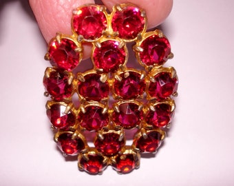 """Signed Red Clear  Rhinestones Star  Gold Tone 2.25"""" x 1.5""""  Brooch ."""