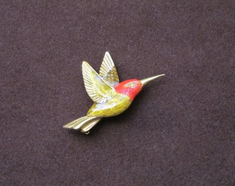 Small Gold Plated Hummingbird Brooch with Clear and Red Enamel Accent / Lifelike Flying Bird Pin 3D Hum in Flight Figural Nature Lover Gift
