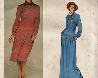 Vogue 1358 / Vintage Designer Sewing Pattern By Valentino / Dress Gown / Size 10