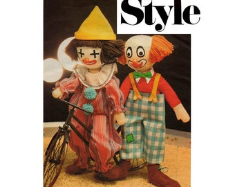 Style 2095 Retro Stuffed Toy Clowns Vintage Sewing pattern Soft Toys