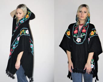 Vintage 1960s Huipil - Boho Ethnic Mexican Black Fringe - 60s Vintage Embroidered Rainbow Floral Hooded Poncho Cape - 60s Clothing - WV0066
