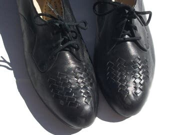 10 leather oxfords lace up preppy classic 80s vintage women shoes lovely nice woven wedge flats PENALJO cottage chic