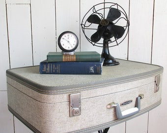 Upcycled Vintage Suitcase Table, Nightstand, Side Table, Bar, Glamping table, Wedding Gift Card Holder, Retail Display Table