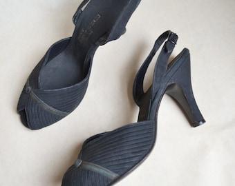 1940s Black peep toe Slingback heels / 40s pleated vamp evening shoes Sz uk narrow 5