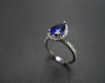 Blue Sapphire Ring / Blue Sapphire Engagement Wedding Ring / Engagement Ring / Diamond Engagement Ring / Pear Sapphire Ring in 950 Platinum