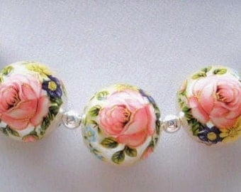 Japanese Tensha Beads in Pretty Pink Rose on Pearl with Flower Accents (5) 12 MM (TBPRF01)