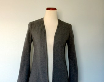 Vintage Blazer / 1970's Saks Fifth Avenue Jacket / Small / Grey Knit Collarless Open Front / Vintage Women Fashion / 70's Fashion / Office