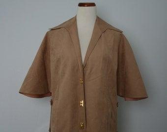 Vintage Jacket / 70's Cape / 1970's Poncho / Medium Large / Ultra Suede / Vegan Suede / Khaki, tan, beige, sand / Women's fashion / Retro