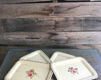 Set of Four Vintage Ivory Chippy Tin Trays with Roses -Hand Painted Trays - Chippy - Shabby Chic