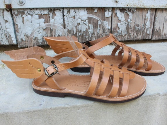 Leather sandals wings/ gold or tan, sandales ailles, sandales femmes