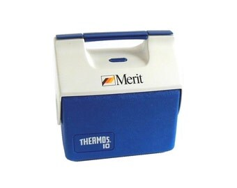 Thermos Cool Date Cooler Thermos 10 with Tray  7707, 7-qt, Button Lid, Blue White Merit Cigarette Logo