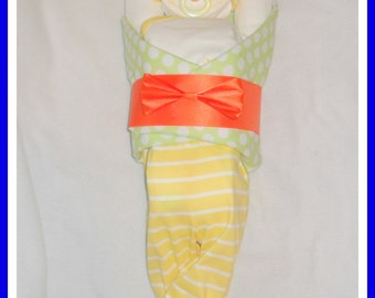 Neutral Baby Diaper Cake Baby-Incredible Baby Gift Or Shower Centerpiece