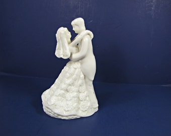 Vintage WEDDING CAKE TOPPER Ivory Couple Figurine Anniversary Party