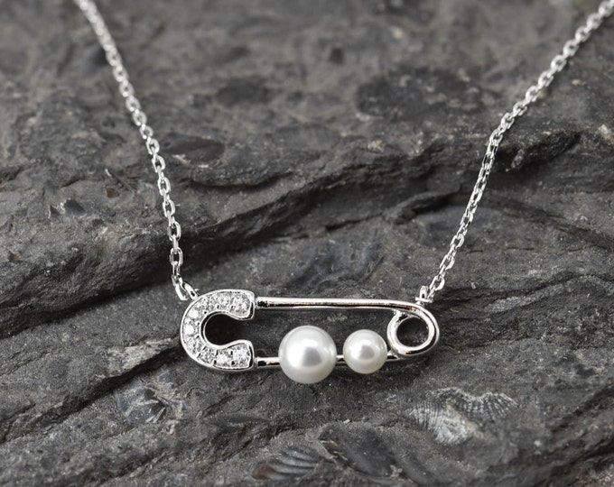 Safety Pin Necklace, Safety Pin Pendant, 925 Sterling Silver Necklace, Crystal Necklace Pendant, Bridesmaid Gift, Bridesmaid Necklace