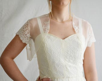 Wedding shrug, Lace bridal shrug, Ivory shrug, Bridal cover up, Bridal wrap, Lace shrug, Bridal bolero, Bridal accessories, Shrug bolero
