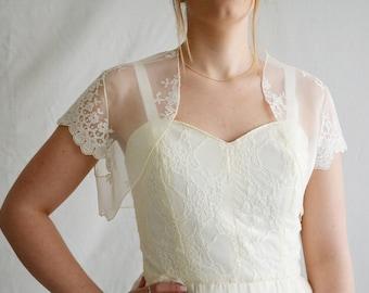 Wedding shrug, Lace bridal shrug, Ivory shrug, Bridal cover up, Bridal wrap, Lace shrug, Bridal bolero, Bridal accessories, Shrug bolero