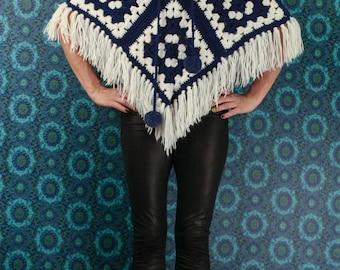 60's Blue & White Crochet PONCHO // Fringed // Pom Poms // Size Small