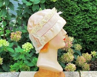 Vintage boudoir cap, peach silk and lace trimmed c.1920 boudoir cap