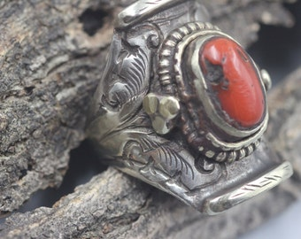 Men's Ring Mixed Metals Coral Stone Brass Nickel Silver Size 9 .5 or 9 1/2 Adjustable Vintage Carved Etched