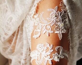 Bridal Garter Wedding Garter Lace Garter Set - Ivory Garter Belt Bohemian Garter Rustic Garter Set - Keepsake Garter Toss Garter Prom Garter