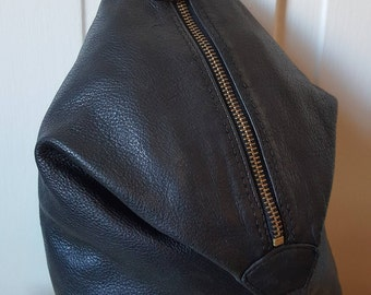 LEATHER TRIANGLE BACKPACK // 90's Leather and Co Liz Claiborne Purse Silver Hardware Purse Adjustable Convertible Purse 2 in 1
