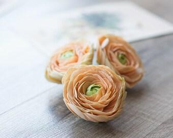 Flower hair clip - cream hair clip - flower for hair - summer wedding - floral hair clip - ranunculus clip - bridal flower hair clip
