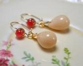 Honey Teardrop Earrings, Glass Bead Earrings, Neutral Drop Earrings, Beige Glass Jewelry, Leverback Earrings, Everyday Earrings, Wife Gift