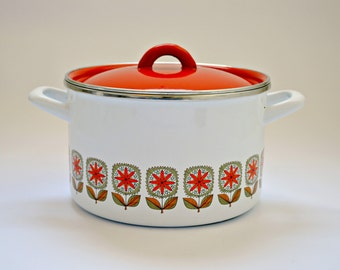 Large Mid Century Enamel Lidded Saucepan, Casserole Pot Retro Kitchenware