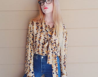 100% Silk Retro Neck Tie Button Up Geo Abstract Romantic Blouse Shirt // Women's size Medium M Large L