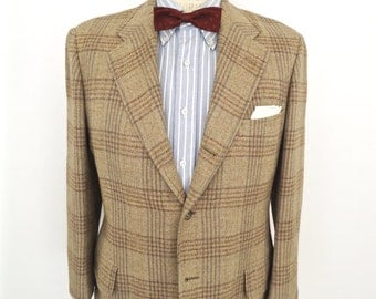 1950s-60s Plaid Tweed Sport Coat with 3-2 Roll Front / vintage Southwick ivy league suit jacket with windowpane pattern wool / men's small