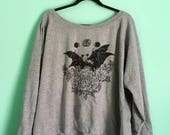 bats in love // gray unisex lightweight boatneck sweater
