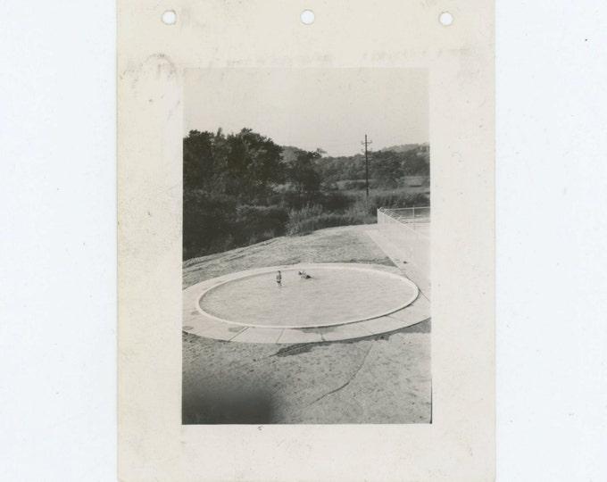 Vintage Snapshot Photo: Two Children in Wading Pool, 1941 (612530)
