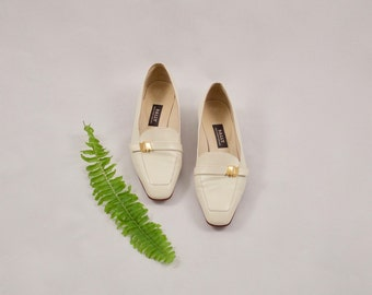 BALLY 90s white loafers / 7 - 37.5  / leather loafer / low heel loafers / white flats / smoking slipper / leather slip on / minimalist