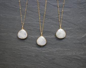 Moonstone Necklace // Gold Moonstone // Moonstone  // Moonstone  Jewelry // Moonstone Bezel // Moonstone Jewelry