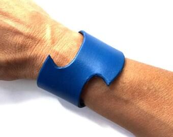 Leather cuff bracelet, Swoosh bracelet, blue cuff, blue bracelet, cuff bracelet.