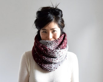 Chunky Knit Infinity Scarf, Knit Cowl, Knit Scarf Women, Merino Wool Scarf, Gifts for Her