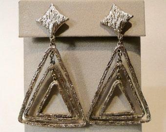 Vintage Mid Century ART Clip On Earrings
