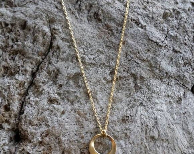 Tiny Gold Necklace, Gold Fill, Hammered Necklace, Tiny Gold Necklace, Gold Necklace, Gold Circle, Dainty Necklace