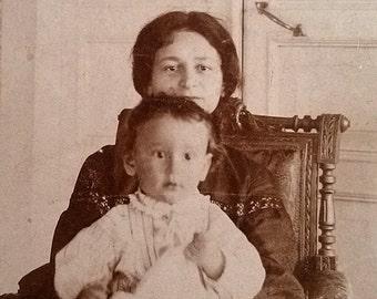 Jewish doctor's family Jewish mom son Antique cabinet portrait Retro judaica Hebrew yiddish Russian social history Old jewish art Nostalgia