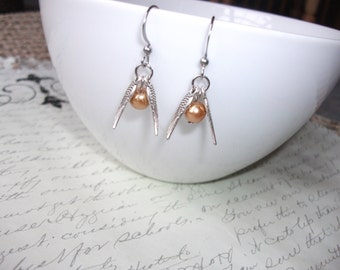 Golden snitch quidditch earrings - Harry Potter inspired
