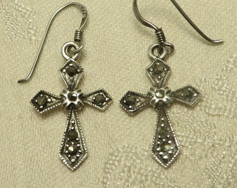 Pretty vintage sterling silver marcasite traditional religious catholic christianity cross dangle wire earrings