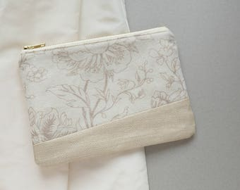Ivory Floral Brides Clutch - Linen Clutch - Floral White Zippered Pouch - Minimalist Wedding Purse - Champagne Romantic Purse