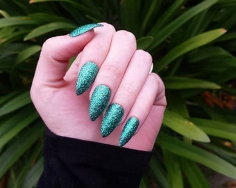 Emerald Green Press on Nails