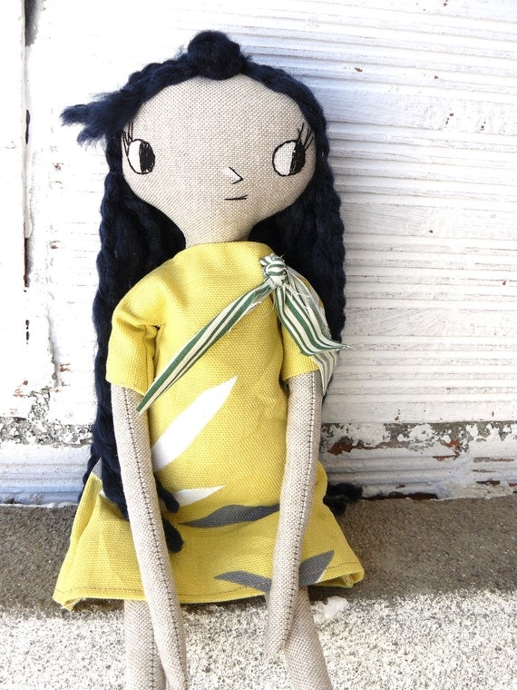 Articulated linen and cotton rag doll with blue wool hair, 33 cm. Big eyes.