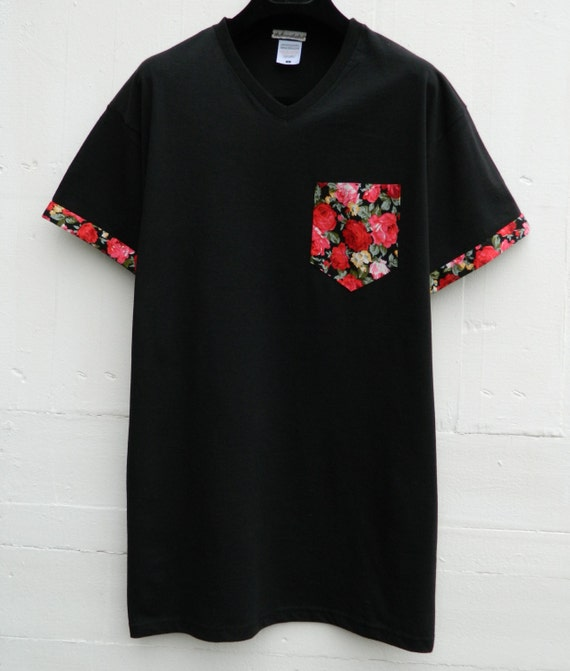 Men 39 s v neck floral pattern with sleeves black pocket for Men s v neck pocket tee shirts